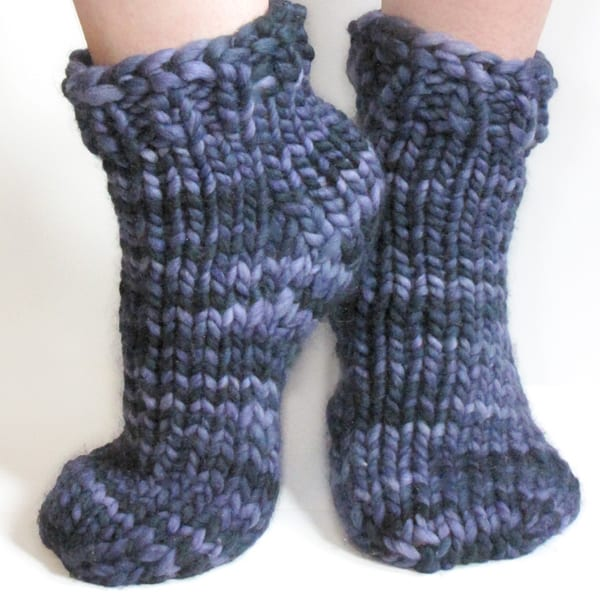 Free Super Bulky Sock Pattern - Toe-Up/Top Down | KnitFreedom