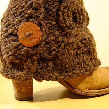 Bulky Cabled Legwarmers with Buttons - closeup sable brown
