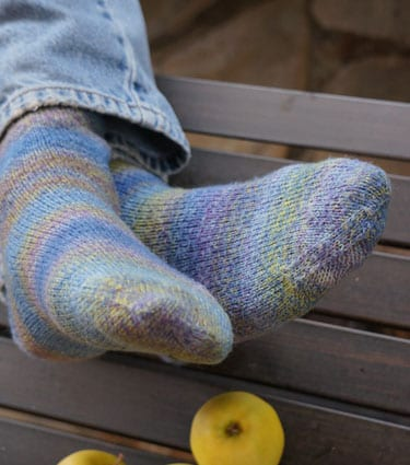 Beginner socks for magic loop - fingering - multi
